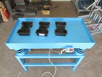 стол и формы для плитки