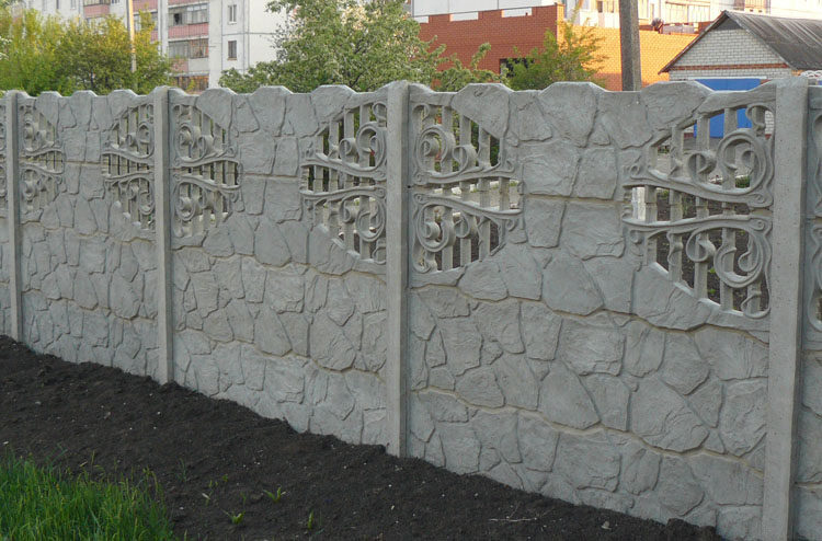 забор из бетона