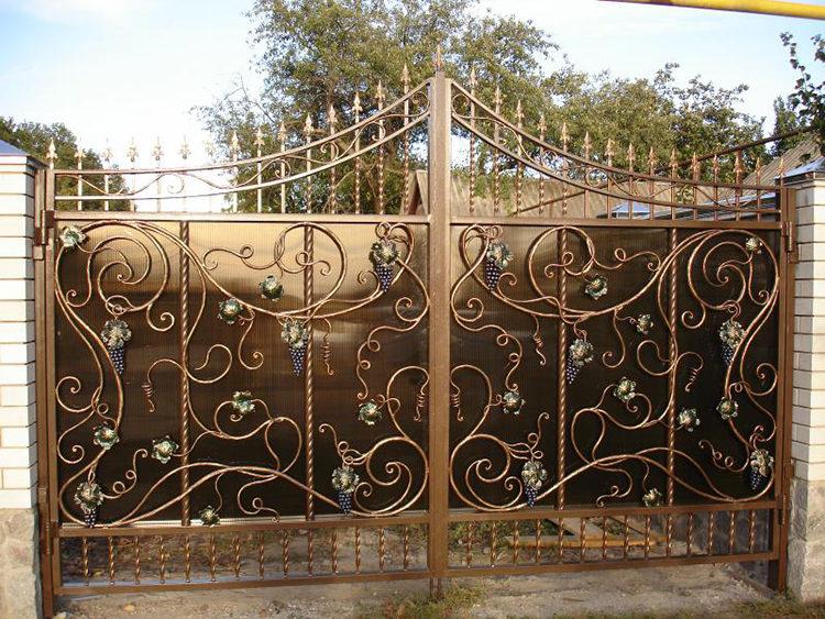 ворот из металлической ковки