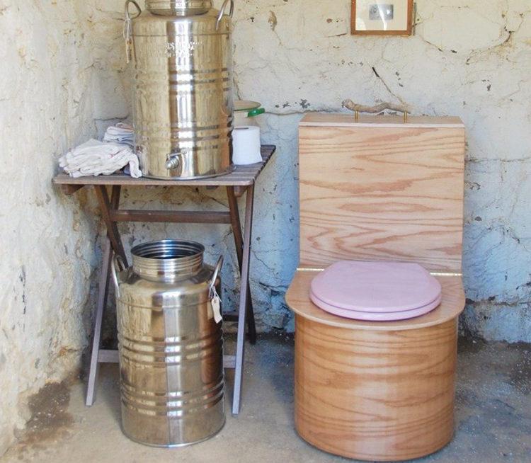 туалет с химическим разложением